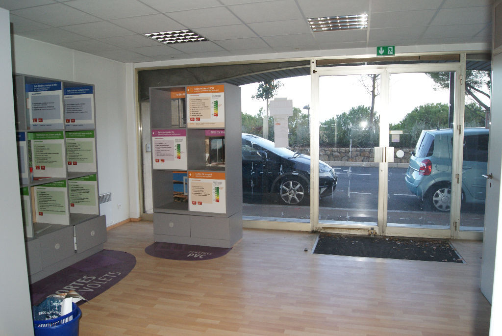 local-commercial-grasse-71m2